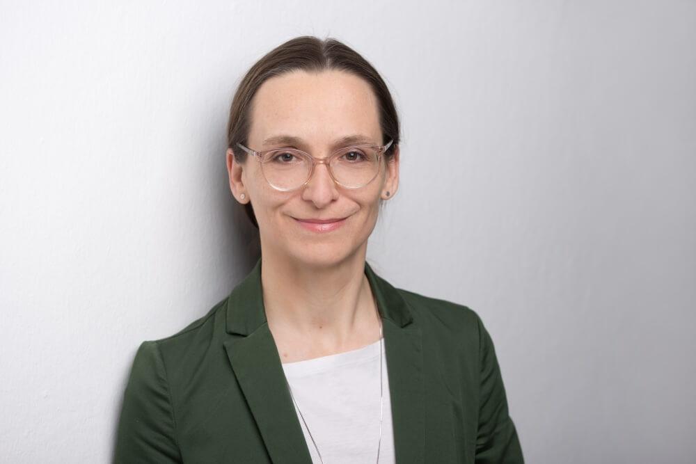 Stefanie Bresgott